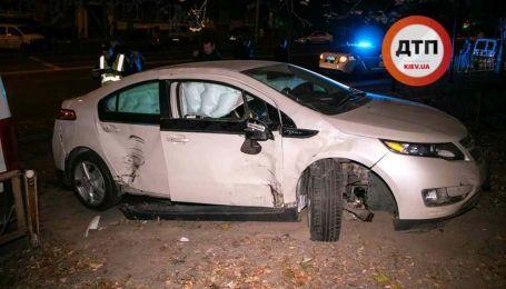 Устроил пьяную аварию на машине клиента. Сотрудника автомастерской задержали в Киеве
