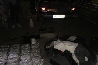 Украинец вез в оккупированный Крым шесть килограммов каннабиса, спрятанного в баке автомобиля