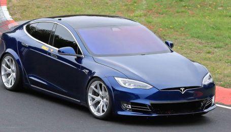 Tesla побила рекорд Porsche Taycan на Нюрбургринге – свидетель