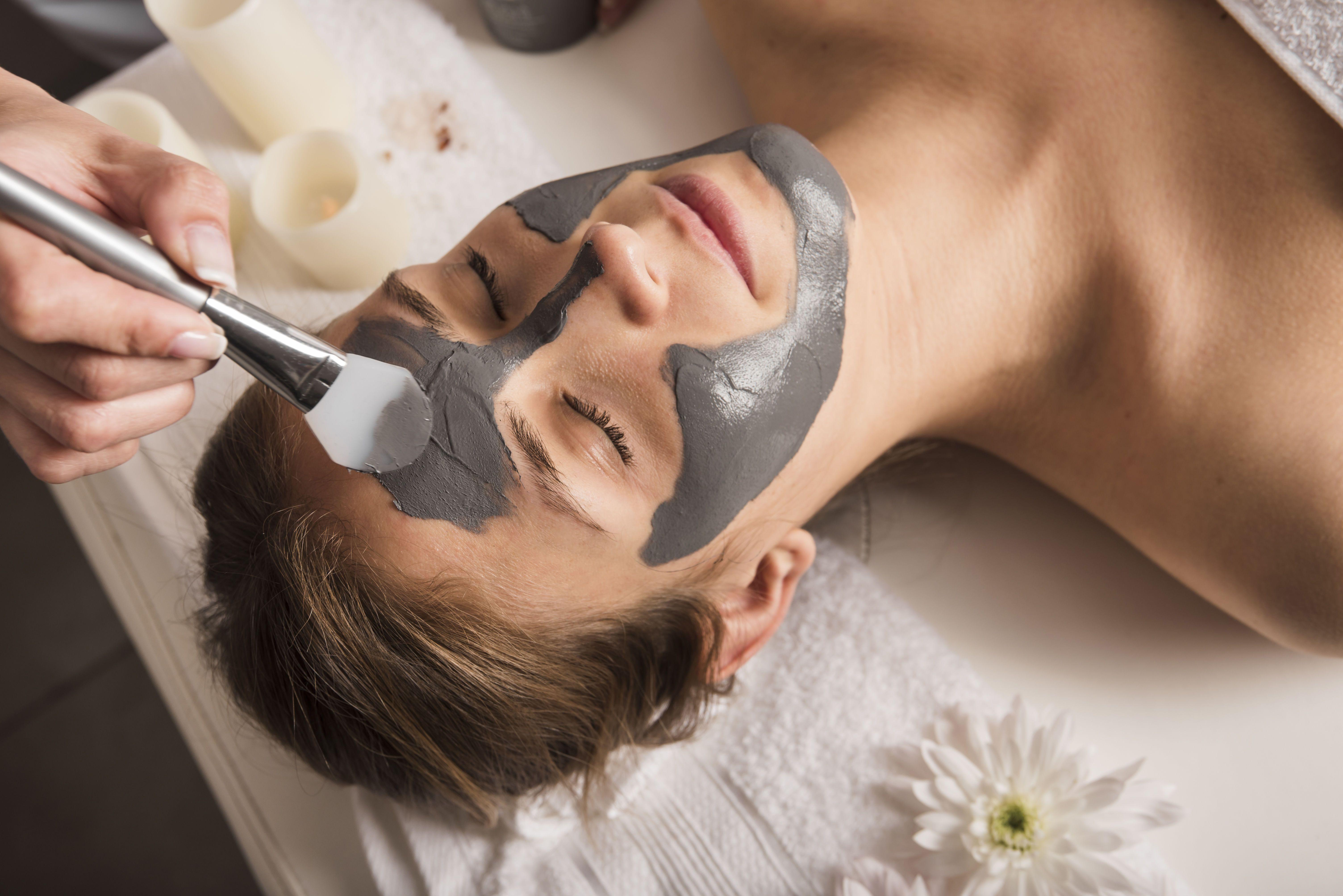 Глина для обличчя, косметологія