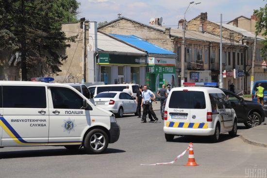 """У Миколаєві на заправці розстріляли трьох працівників. Оголошено спецоперацію """"Сирена"""""""