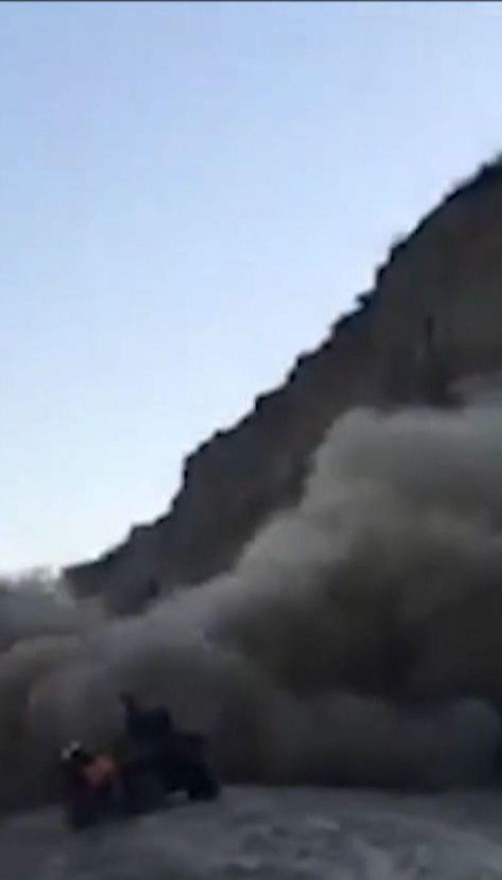 Оползень в Одесской области: несколько тонн земли упали в считанных метрах от людей