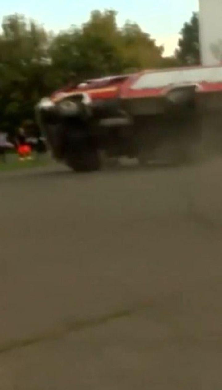 В Венгрии во время пожарных учений для школьников перевернулась машина со спасителями