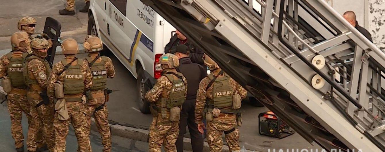 Силовики обшукали охоронну фірму, яка фігурує в скандалі з катуваннями в Одесі