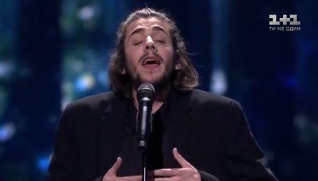Музика, яка допомагає боротися з хворобою: неймовірна історія співака Салвадора Собрала