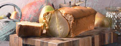 Сирний кекс з карамелізованою грушею