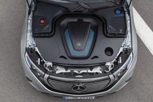 Mercedes запустил производство батарей в Таиланде