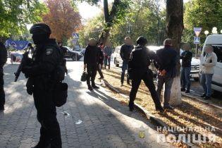 """Полиция задержала """"самого влиятельного мафиози Самвела Донецкого"""" и его банду"""