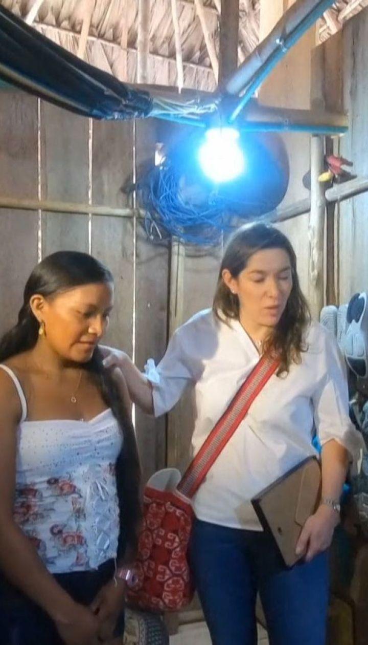 """В """"забытую Колумбию"""" завезли солнечные батареи: у местных впервые появился свет"""