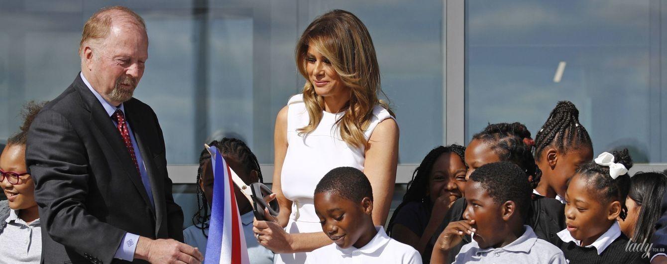 Оце красуня: Меланія Трамп у білосніжній сукні Prada на відкритті пам'ятника