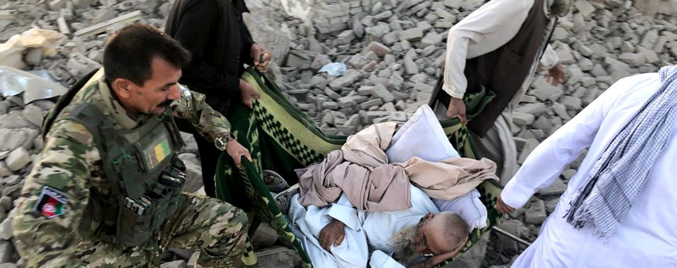 Грузовик взорвался у больницы в Афганистане: почти 40 погибших, еще 140 раненых