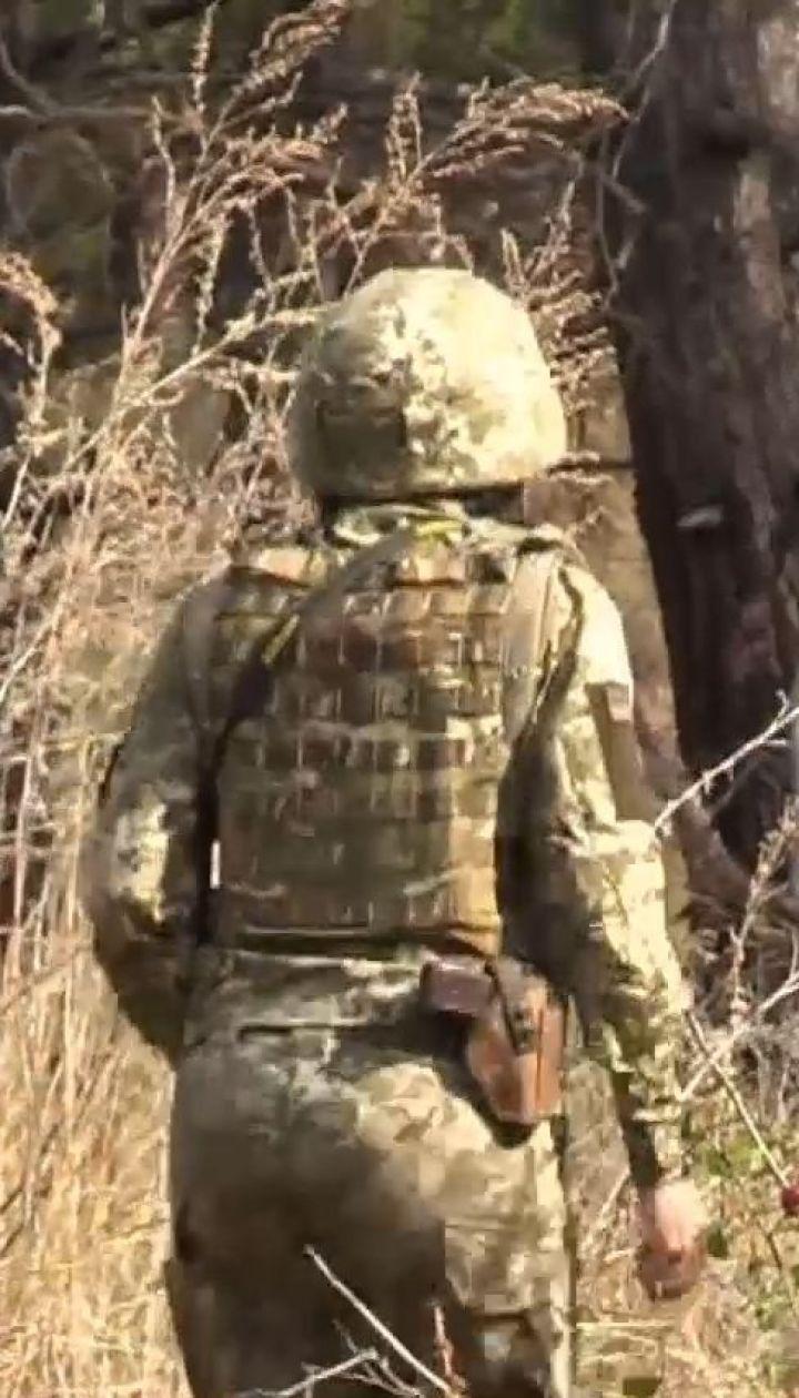 У Золотому-4 проросійські терористи обстріляли позиції українських військових