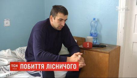 На Киевщине полицейский, медик и бывший егерь избили лесника, который застал их на вырубке леса