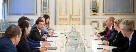 """Зеленський зустрівся з представниками МВФ: говорили про реформи і ситуацію щодо """"ПриватБанку"""""""