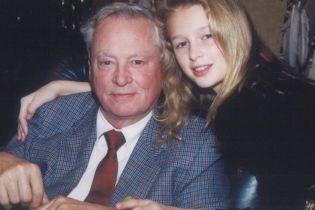 В США умер владелец международной гостиничной империи и дедушка Пэрис Хилтон