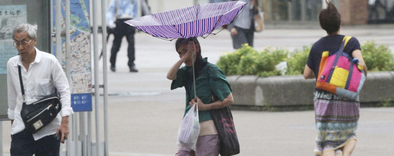 """Японию атаковал мощный тайфун """"Тапа"""": есть пострадавшие"""