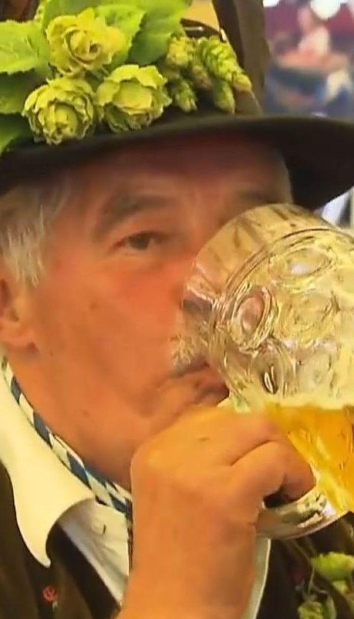 """У німецькому Мюнхені тривають святкування з нагоди """"Октоберфесту"""""""
