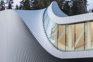 В Норвегии открыли необычный мост-галерею