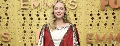 """В образе средневековой принцессы: яркий выход звезды """"Игры престолов"""" на церемонии"""