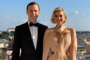 В платье цвета крем-брюле и с золотым поясом: романтичный образ Иванки Трамп