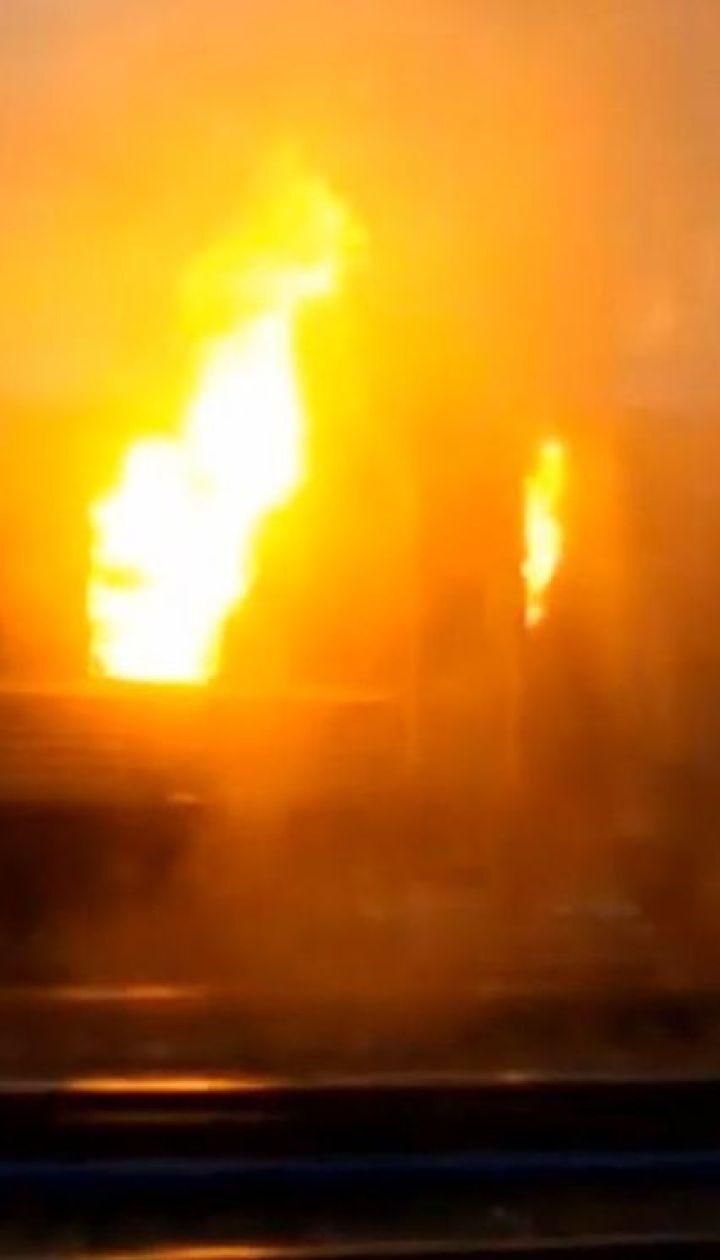Поїзд, який загорівся біля платформи залізничного вокзалу, налякав пасажирів у Вінниці