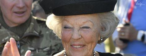 Надела любимую шляпу: принцесса Беатрикс на памятном мероприятии