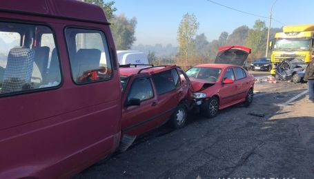 Шість розтрощених авто і загиблий водій. З'явились подробиці аварії біля Броварів