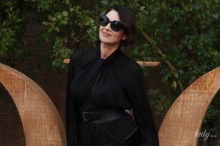 В образе total black: непревзойденная Моника Беллуччи на показе Dior