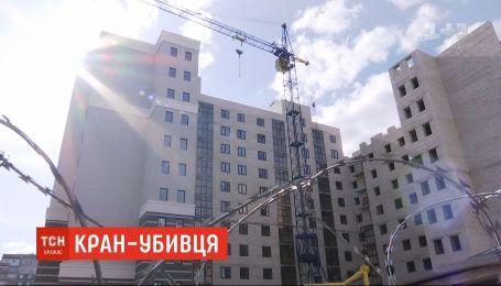 Стрела крана убила мужчину на строительстве многоэтажки в Сумах