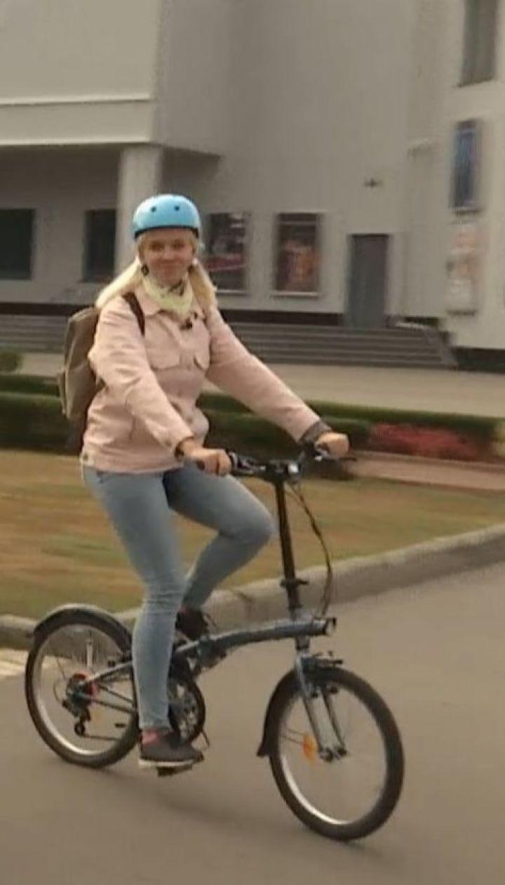 ТСН дослідила, що зручніше: велосипеди чи електричні самокати та моноколеса