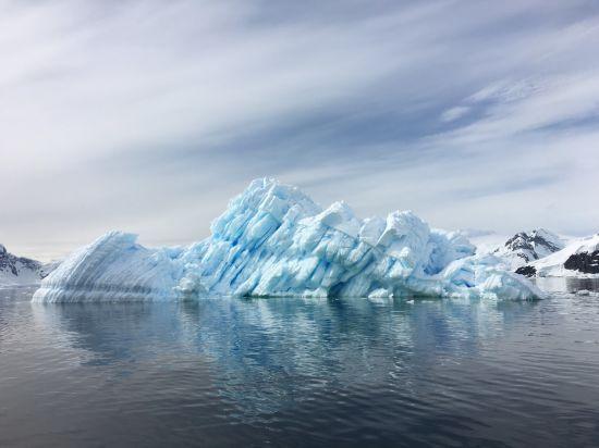 Науковці виявили серйозне забруднення пластиком води біля Антарктиди