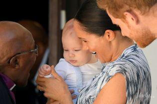 Как похож на Меган: герцогиня Сассекская и принц Гарри приехали на мероприятие вместе с сыном