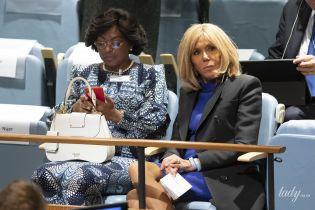 В коротком синем платье и с укладкой: Брижит Макрон на Генеральной Ассамблее ООН
