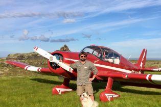 Фотограф уронил с самолета смартфон в долину Исландии. Через год его вернули владельцу