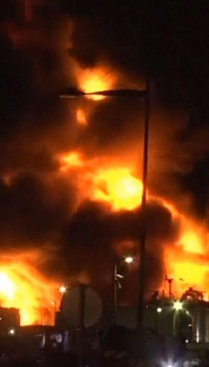 У Франції загорілась фабрика з виготовлення хімікатів
