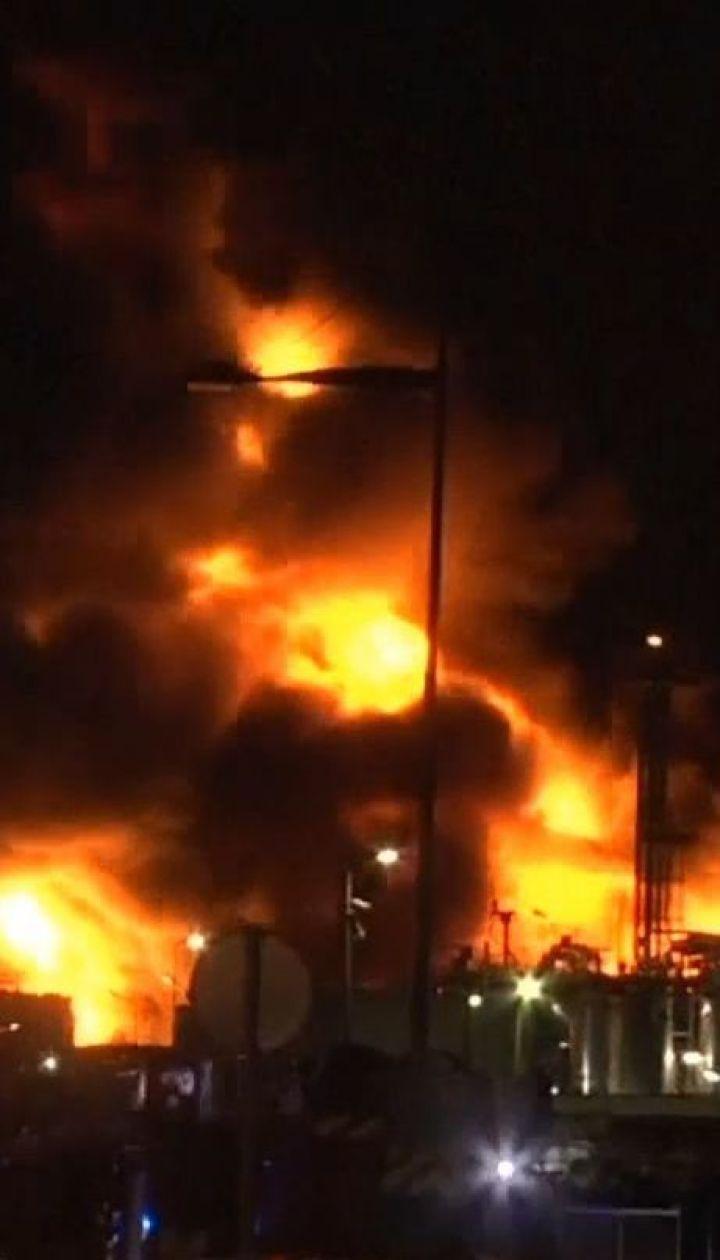 Во Франции загорелась фабрика по изготовлению химикатов