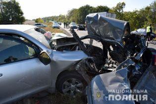 Вдребезги разбитые машины: в ужасном ДТП под Славянском погибла мать с 6-летней дочкой