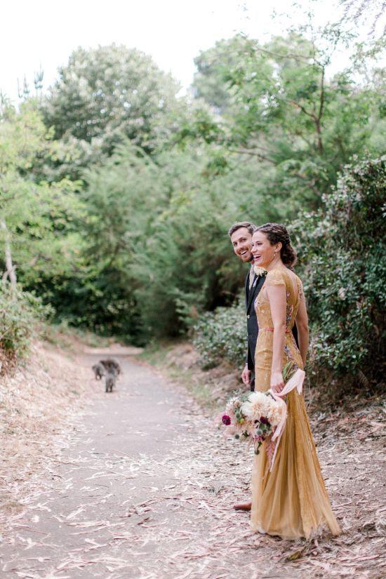 У США єноти увірвалися на весілля і прикрасили святкові фото молодят