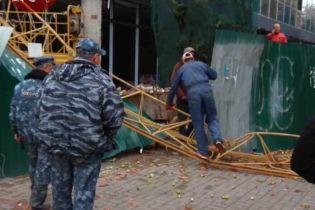 На столичном Печерске упал строительный кран