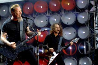 Группа Metallica отменила концерты из-за запоя вокалиста