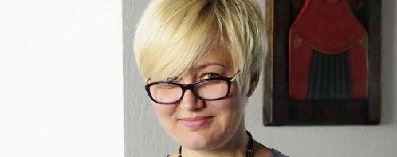 """Письменниця Ніцой назвала таксиста відомої служби """"ґвалтівником"""" через відмову говорити українською мовою"""