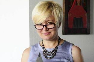 """Писательница Ницой назвала таксиста известной службы """"насильником"""" за отказ говорить на украинском языке"""