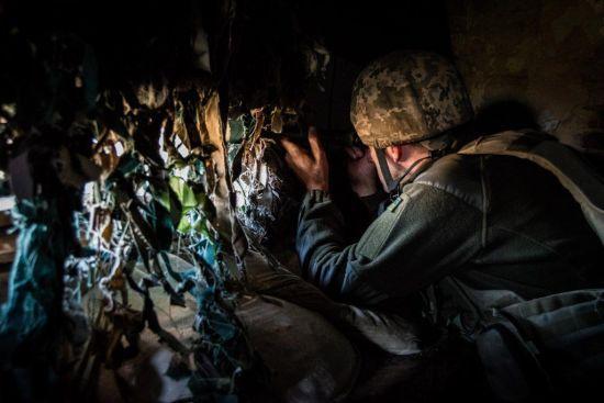 Терористи на Донбасі гатили із забороненої зброї: серед українських бійців є втрати
