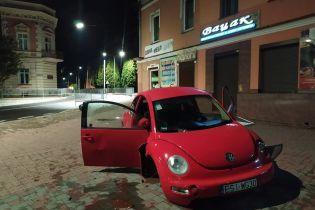 На Львовщине водитель Volkswagen на польских номерах попал в аварию и сбежал