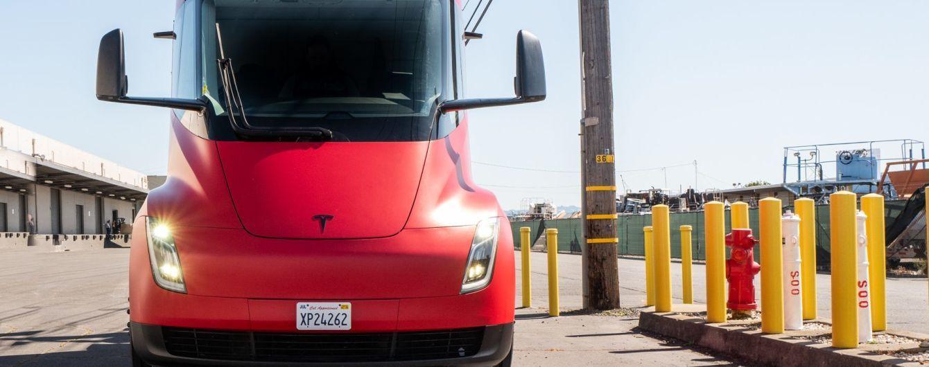 Tesla запатентувала нові мегазарядки для електрофур