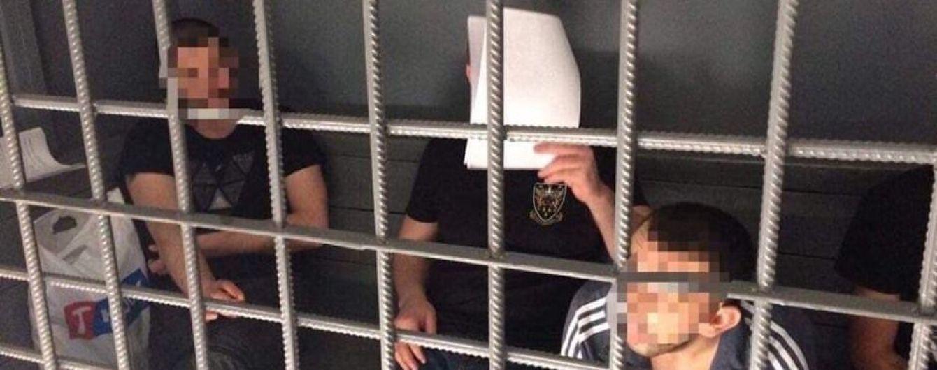 """В Киеве """"таксисты"""" подсыпали людям клофелин и грабили их"""