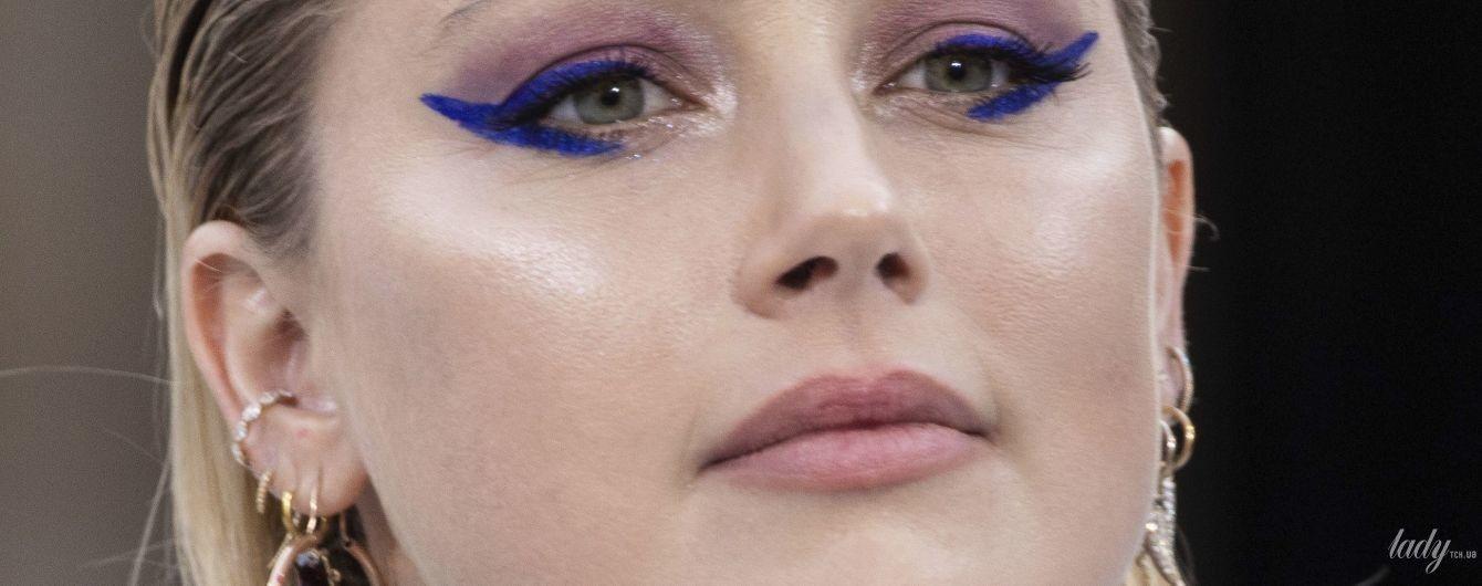 Что-то поправилась: Эмбер Херд вышла на подиум в Париже