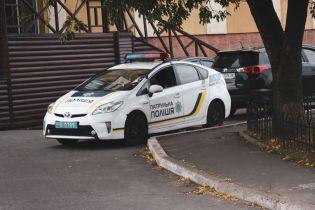 В Киеве возле университета нашли повешенного мужчину