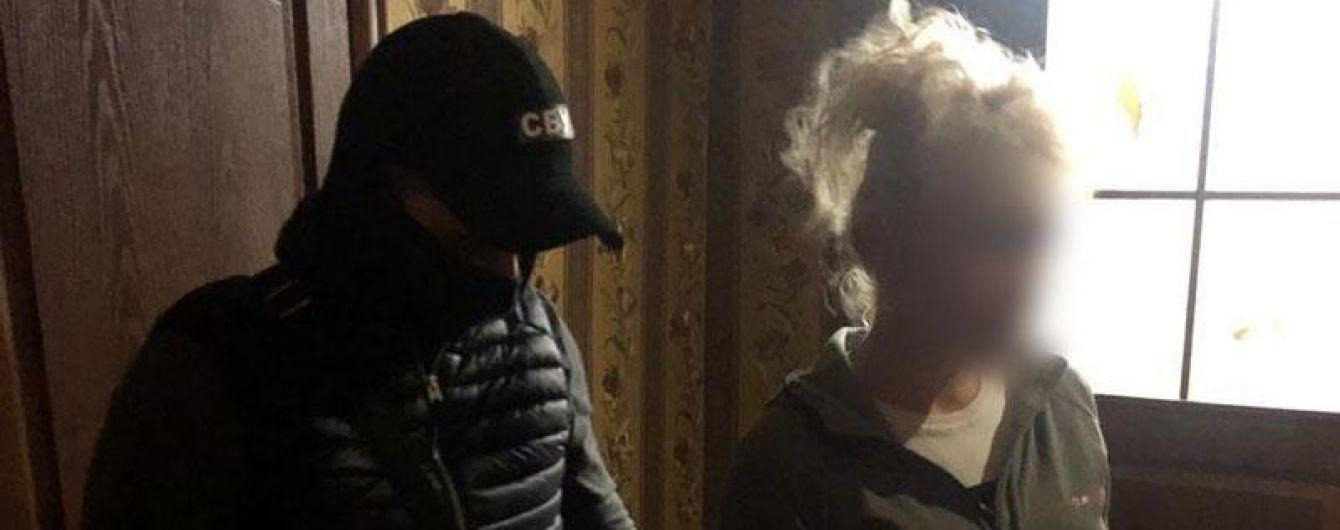 """Жертві """"розбили"""" голову биткою: на Донеччині жінка замовила вбивство свого чоловіка"""