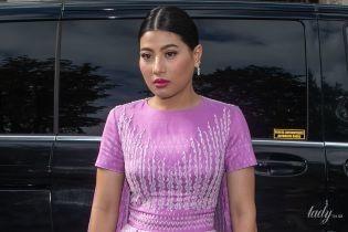 В ярком платье и кружевных туфлях: принцесса Таиланда на модном показе в Париже